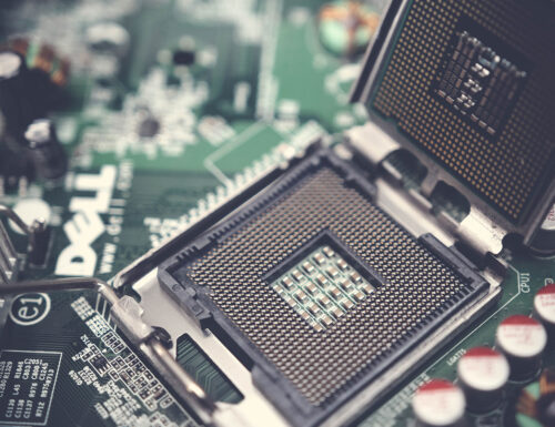 Which Part of the Operating System Directly Interacts With Hardware?